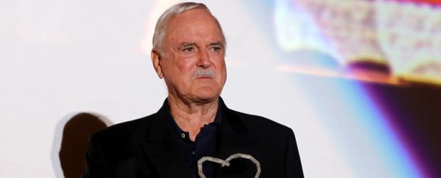 """Monty Python""-Ikone John Cleese erhält Comedypreis - DWDL.de"