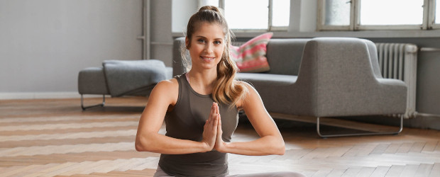 Cathy Hummels macht Yoga-Workout bei Sixx - DWDL.de
